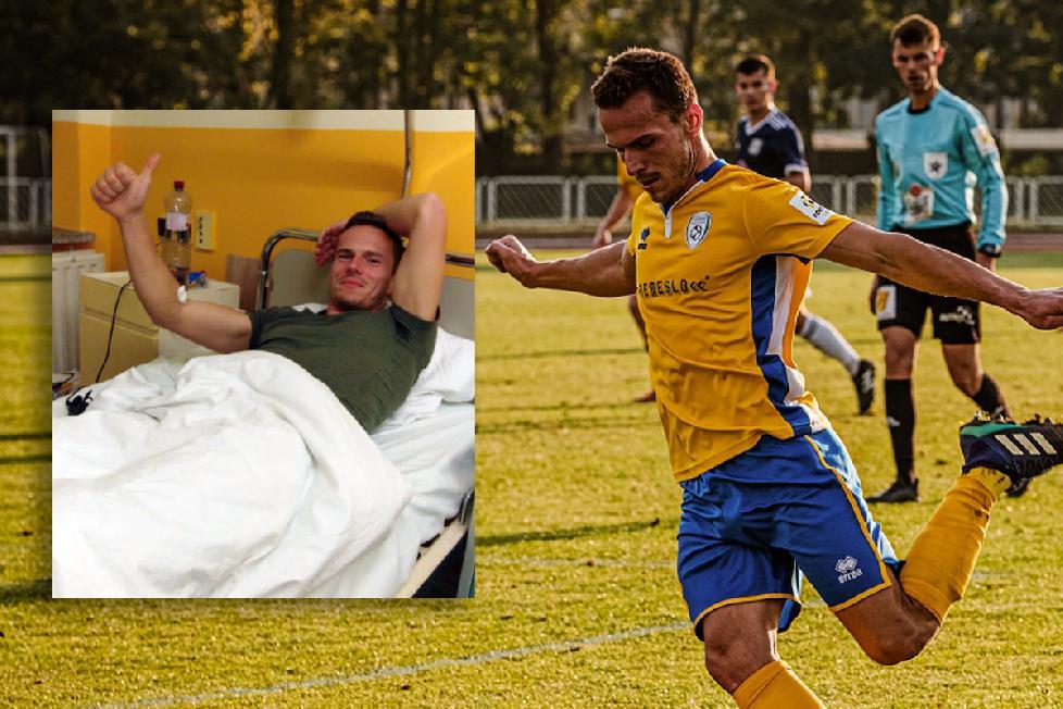 Náš chorý útočník Paťo Abrahám drží chalanom palce v zápase proti Trnave